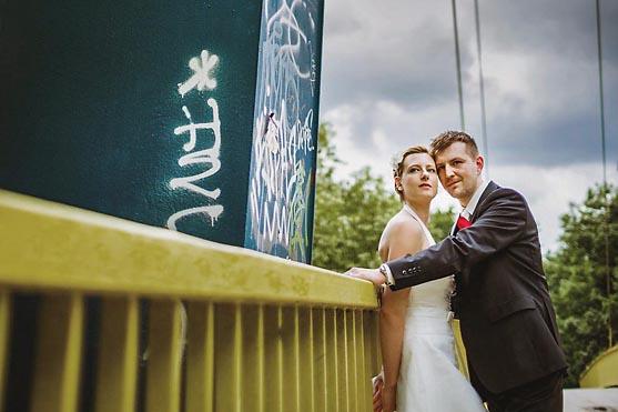 Hochzeit im Standesamt Villa Kogge und Hochzeitsportraits im Volkspark Wilmersdorf in Berlin Hochzeitsfotograf © www.henninghattendorf.de