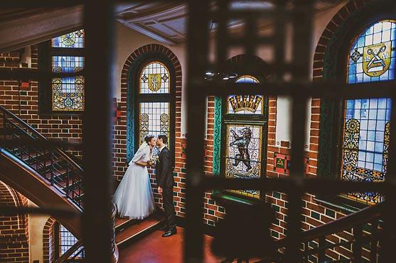 Hochzeit im Standesamt Koepenick in Berlin Hochzeitsfotograf © www.henninghattendorf.de