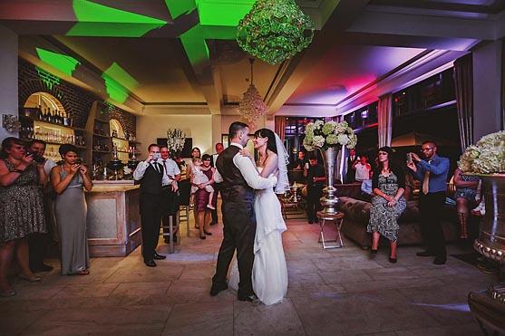 Hochzeit im Wiedendom in Schlepzig und Hochzeitsfeier im Spreewaldresort Seinerzeit im Spreewald Hochzeitsfotograf © www.henninghattendorf.de