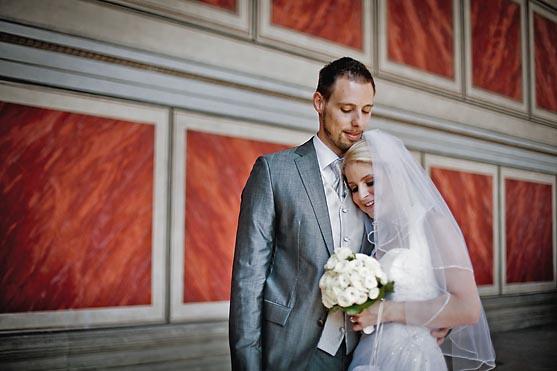 Hochzeit im Berliner Dom und im Hotel Kempinski in Berlin Hochzeitsfotograf © www.henninghattendorf.de