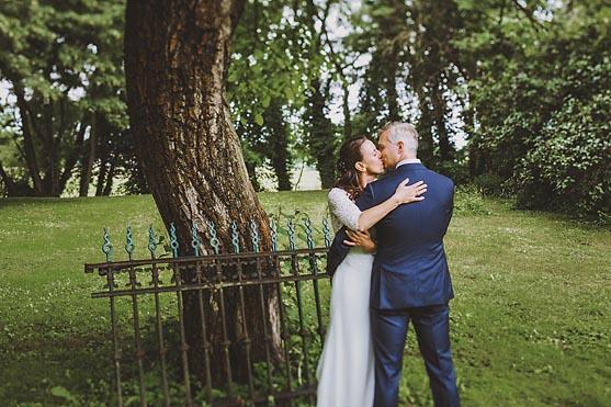 Hochzeit im Standesamt Schloss Luebben im Spreewald Hochzeitsfotograf © www.henninghattendorf.de