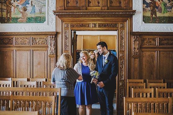 Hochzeit im Standesamt Pankow in Berlin Hochzeitsfotograf © www.henninghattendorf.de