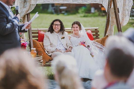 Hochzeit im Standesamt Kavalierhaus in Koenigs-Wusterhausen Hochzeitsfotograf © www.henninghattendorf.de