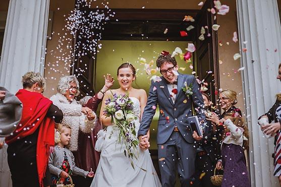 Hochzeit im Standesamt Schloss Criewen und die Hochzeitsfeier in der Salvey Muehle Hochzeitsfotograf © www.henninghattendorf.de