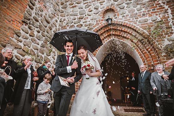 Hochzeit im Schloss Basthorst Hochzeitsfotograf © www.henninghattendorf.de