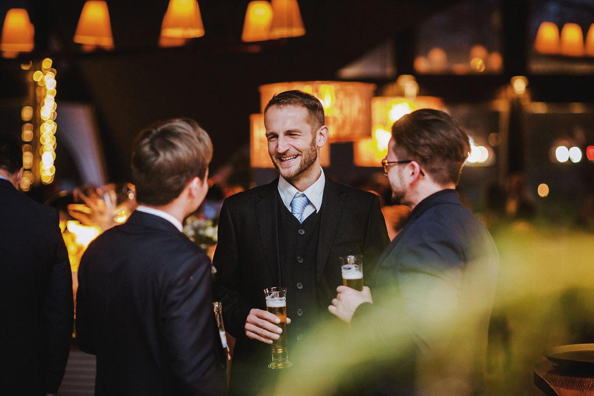 Hochzeitsfotograf Potsdam Hochzeitsfeier Restaurant Seerose